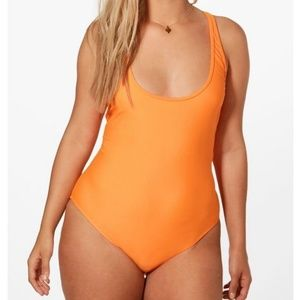 Boohoo Swim - Nwot- Boohoo one piece with crossback feature